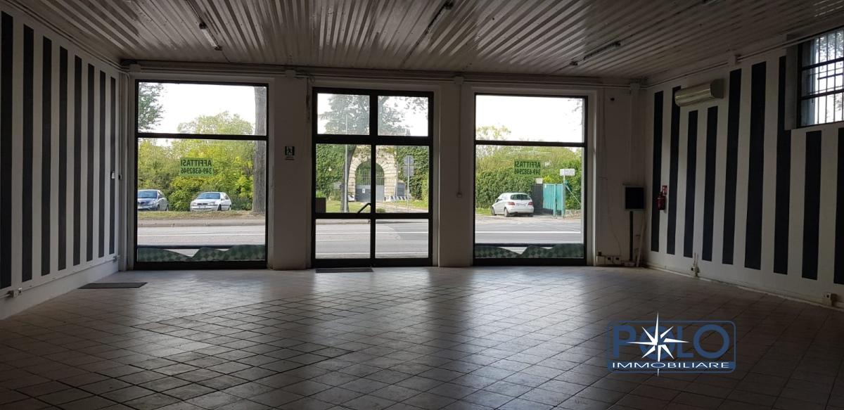 Negozio / Locale in affitto a Verona, 1 locali, prezzo € 2.100 | CambioCasa.it