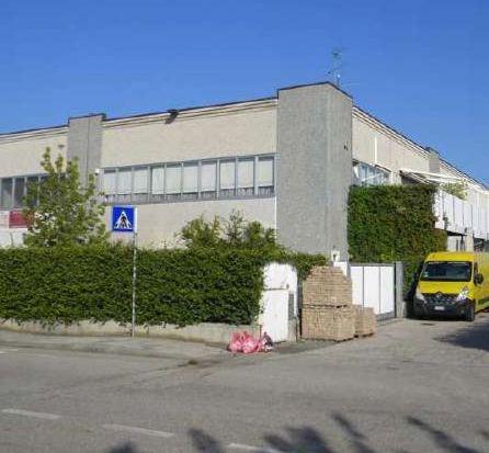 Capannone in vendita a Sona, 15 locali, prezzo € 553.000 | PortaleAgenzieImmobiliari.it