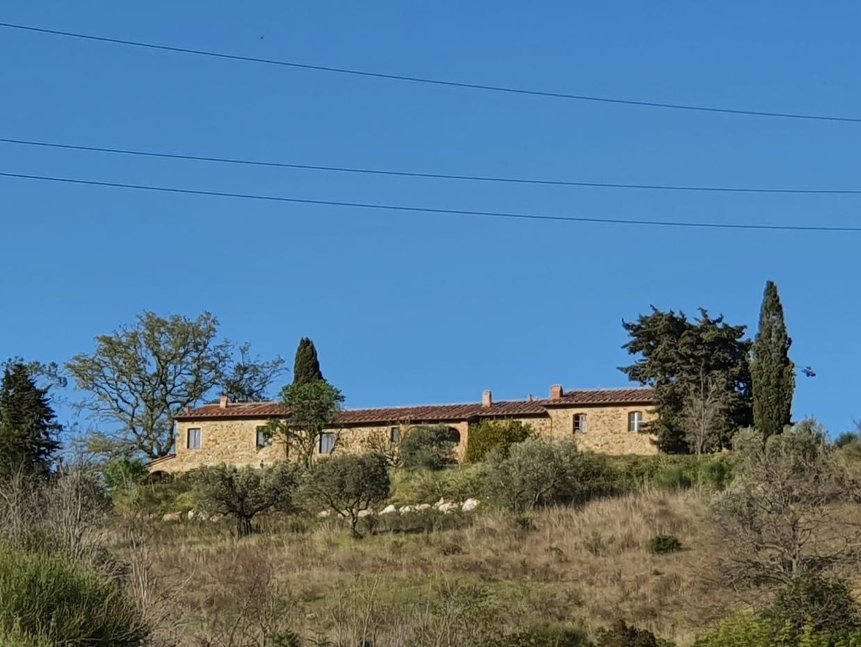 Rustico / Casale in vendita a Monterotondo Marittimo, 15 locali, Trattative riservate   CambioCasa.it